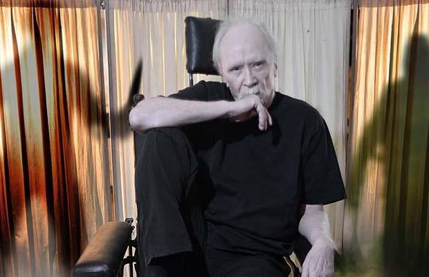 «Las Dos Vidas de John Carpenter: Músico y Cineasta»